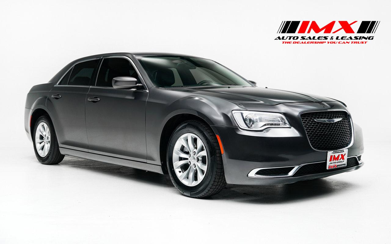 2015 Chrysler 300 Limited 4dr Sdn Limited RWD Regular Unleaded V-6 3.6 L/220 [11]