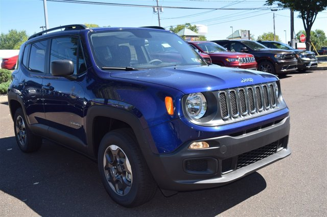 New 2016 Jeep Renegade, $24935