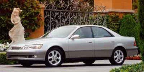 2001 Lexus ES 9000