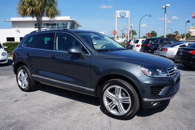 2016 Volkswagen Touareg Executive Turbocharged All Wheel Drive Tow Hitch Power Steering ABS 4-