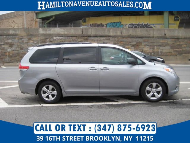 2014 Toyota Sienna 5dr 8-Pass Van V6 LE FWD Front Wheel Drive Power Steering ABS 4-Wheel Disc Br