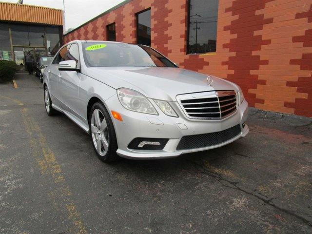 2011 Mercedes E-Class E550 Luxury Rear Wheel Drive Air Suspension Active Suspension Power Steeri