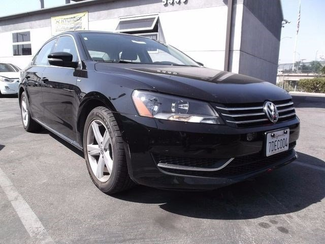 2014 Volkswagen Passat Wolfsburg Ed Turbocharged Front Wheel Drive Power Steering ABS 4-Wheel
