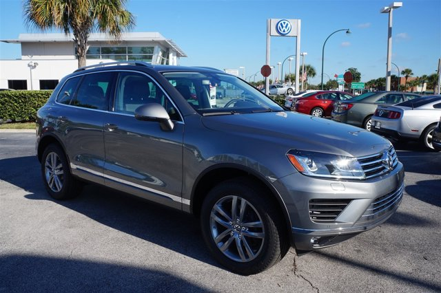 2016 Volkswagen Touareg Lux Turbocharged All Wheel Drive Tow Hitch Power Steering ABS 4-Wheel