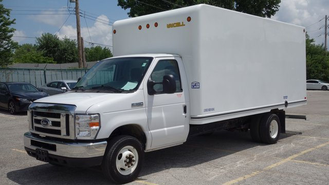 Used 2017 Ford E-Series Cutaway in Florissant, MO