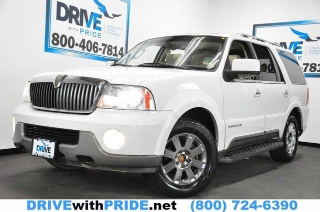 2004 Lincoln Navigator LUXURY V8 LEATHER SUNROOF HEATED SEATS TOWING PACKAGE Rear Wheel Drive Auto