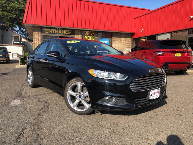2016 Ford Fusion SE EQUIPMENT GROUP 201A  -inc Appearance Package  Leather-Wrapped Steering Wheel