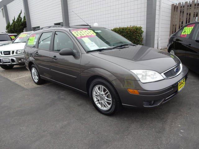 2006 Ford Focus  Front Wheel Drive Tires - Front All-Season Tires - Rear All-Season Temporary Sp