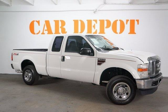 2008 Ford Super Duty F-250 SRW  Four Wheel Drive Tow Hitch Tow Hooks Conventional Spare Tire Po