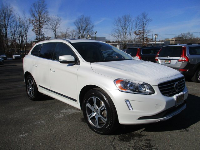 2014 Volvo XC60 30L Premier Plus AWD CRYSTAL WHITE PEARL CONNECTED TOUCH WNAVIGATION HEATED FRO