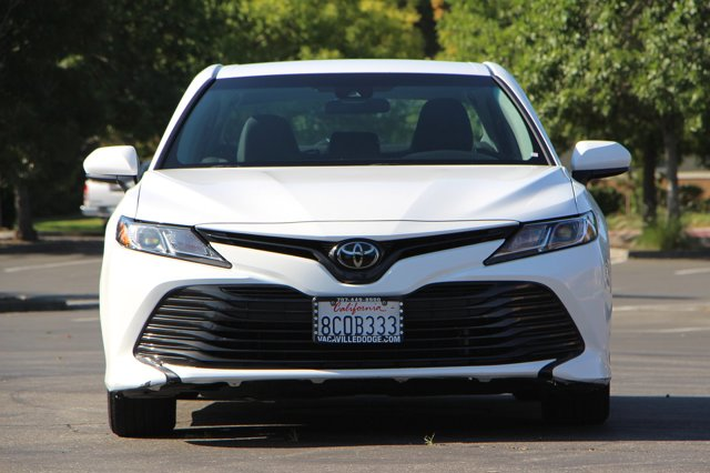 2018 Toyota Camry LE 2