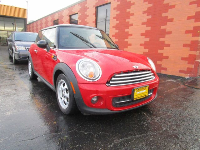 2012 MINI Cooper Hardtop Base Front Wheel Drive Power Steering 4-Wheel Disc Brakes Tires - Front