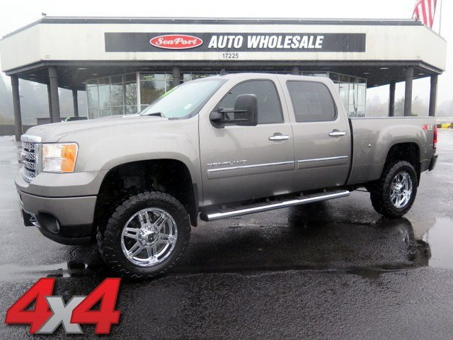 2014 GMC Sierra 2500HD Denali LockingLimited Slip Differential Four Wheel Drive Tow Hooks Tow H