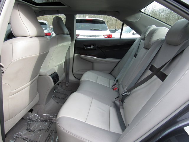 2014 Toyota Camry XLE 8