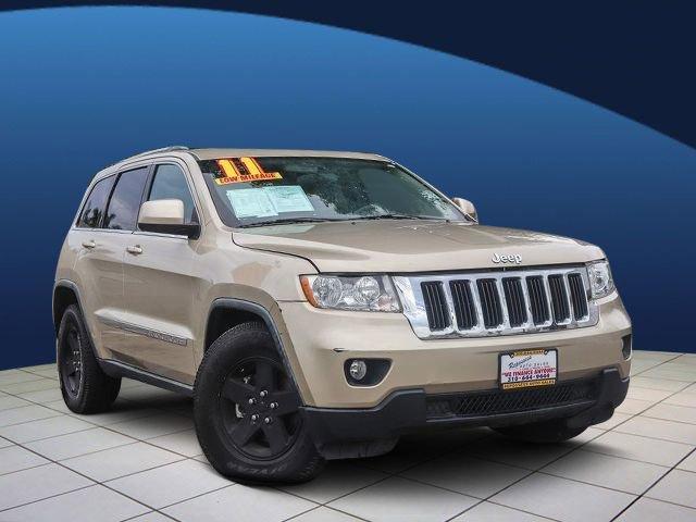 2011 Jeep Grand Cherokee Laredo P24570R17 ONOFF ROAD BSW TIRES  STD BLACK INTERIOR  CLOTH LOW-