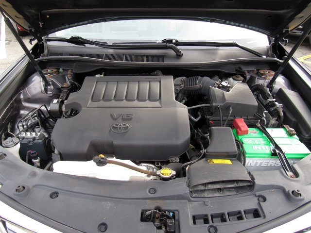 2014 Toyota Camry XLE 28