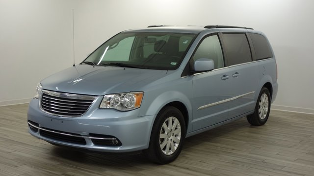 Used 2016 Chrysler Town & Country in Florissant, MO