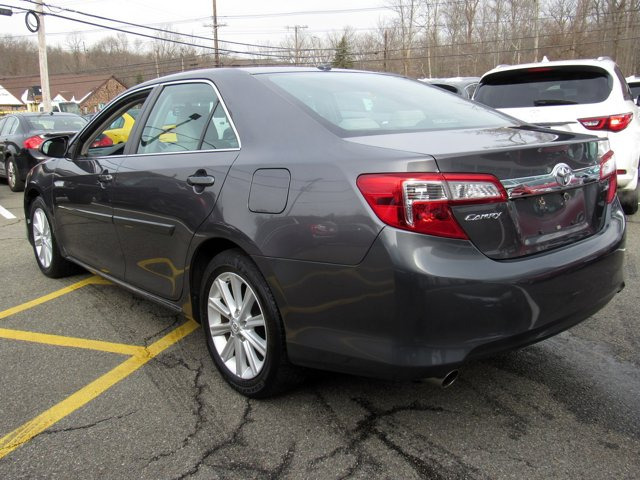 2014 Toyota Camry XLE 2