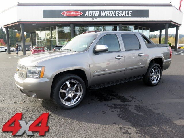 2008 Chevrolet Avalanche LT w1LT Tow Hooks Traction Control Stability Control Four Wheel Drive