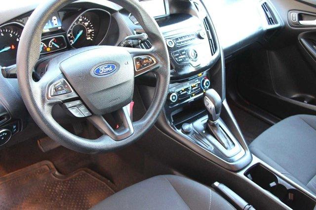 2018 Ford Focus SE 10