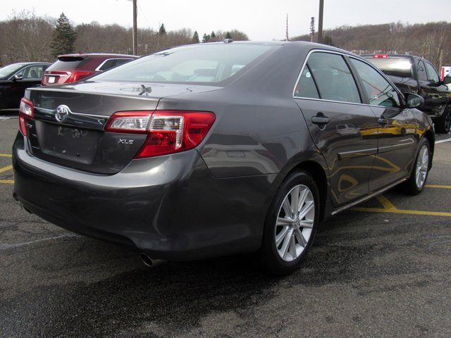 2014 Toyota Camry XLE 4