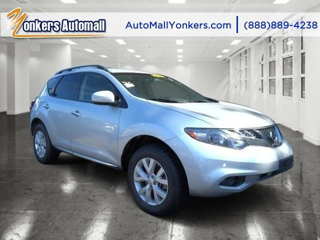 2013 Nissan Murano SV Brilliant SilverBlack V6 35L Variable 48093 miles Lavishly luxurious t
