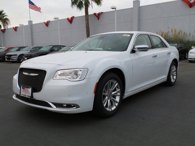 2015 Chrysler 300 300C Bright White Clearcoat V6 36 L Automatic 9 miles  Rear Wheel Drive  P