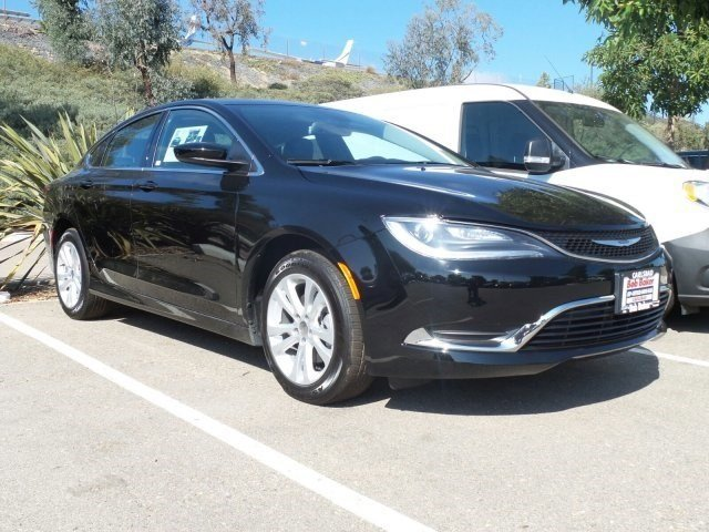 2017 CHRYSLER 200 LIMITED C Black ClearLEATHER TRIMMED V4 0 Automatic 10 miles The advanced en