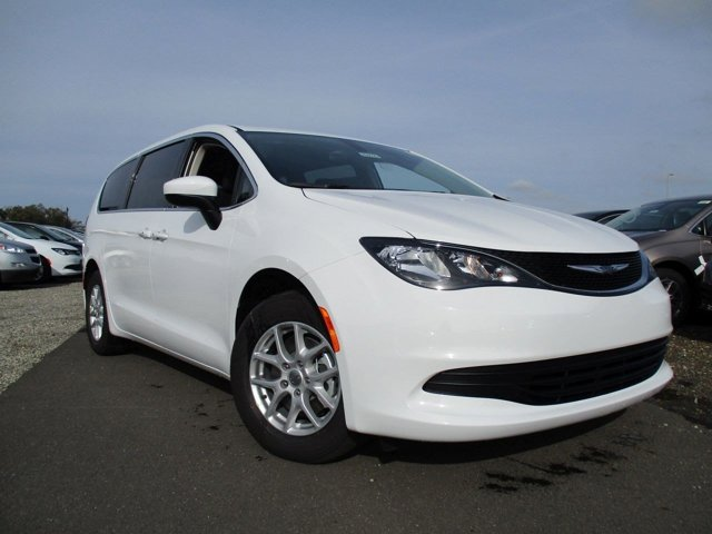 2017 Chrysler Pacifica Touring Bright White ClearcoatBlackAlloy V6 36 L Automatic 3 miles  B