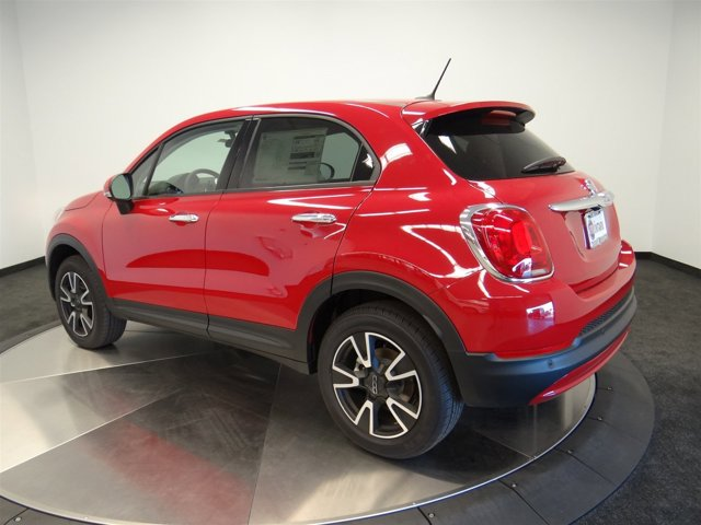 2016 FIAT 500X Easy RedBlack V4 24 L Automatic 184 miles  All Wheel Drive  Power Steering