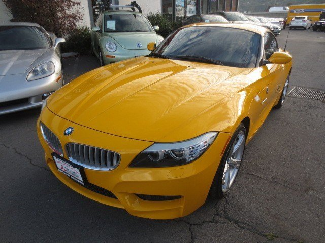 2011 BMW Z4 sDrive35i Atacama YellowBlack V6 30L Manual 31225 miles NEW ARRIVAL WARRANTY REMA