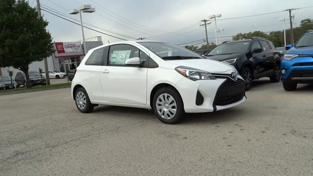 2017 Toyota Yaris L Super WhiteBlack wCircle Design V4 15 L Manual 12 miles  Front Wheel Dri