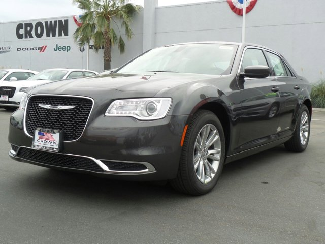 2016 Chrysler 300 Limited Granite Crystal Metallic ClearcoatLinenBlack V6 36 L Automatic 0 mi
