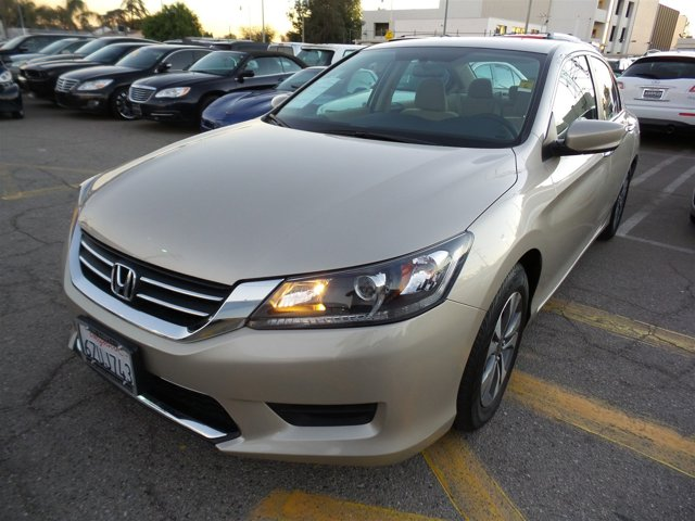 2013 Honda Accord Sdn LX CHAMPINE V4 24L Variable 33211 miles Deal PendingChoose from our