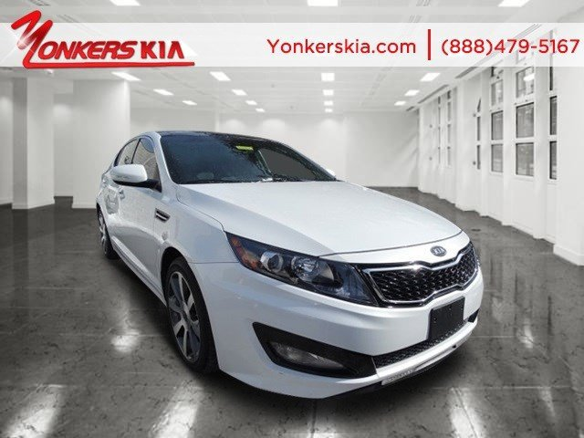 2012 Kia Optima SX Snow White PearlBlack V4 20L Automatic 22828 miles 2012 KIA Optima SX with