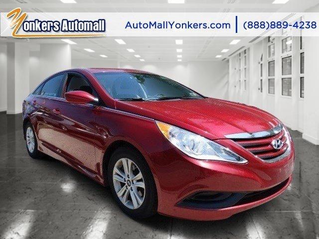 2014 Hyundai Sonata GLS Venetian Red MetallicGray V4 24 L Automatic 37463 miles 1 owner clea