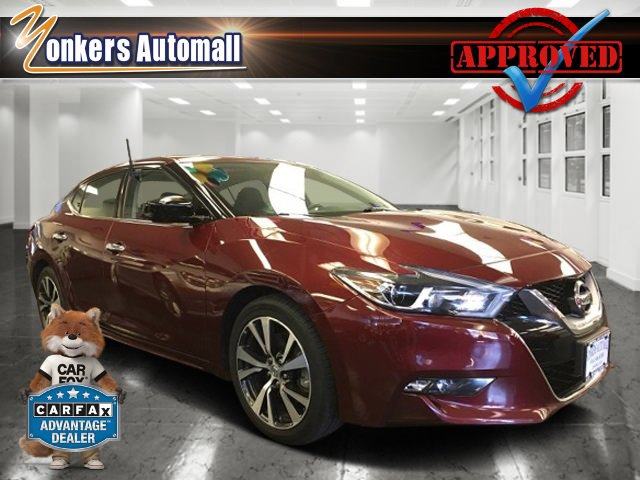 2016 Nissan Maxima 35 S Coulis RedCharcoal V6 35 L Variable 28286 miles Navigation Rearview