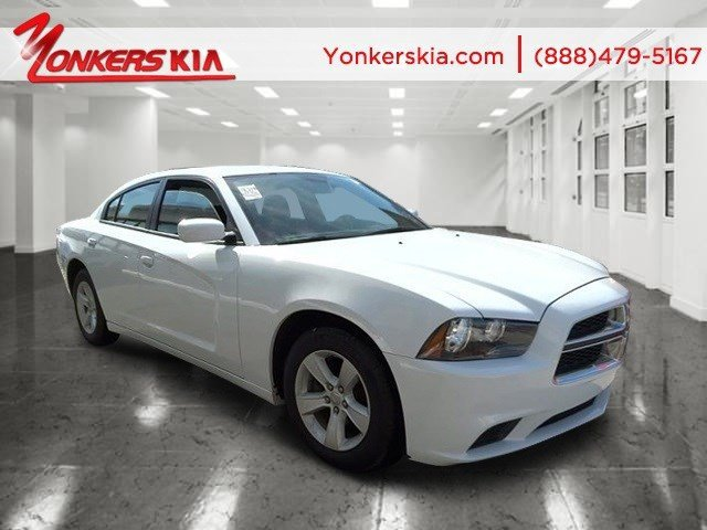 2014 Dodge Charger SE Bright White ClearcoatBlack V6 36 L Automatic 31731 miles Clean carfax