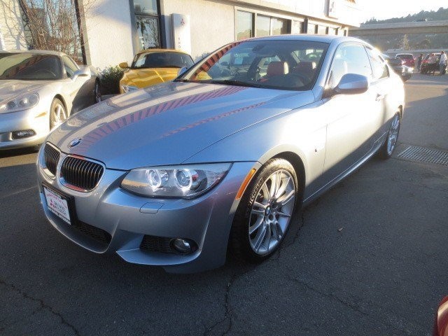 2011 BMW 3 Series 328i Blue Water MetallicCoral Red V6 30L Automatic 22598 miles WARRANTY REMA