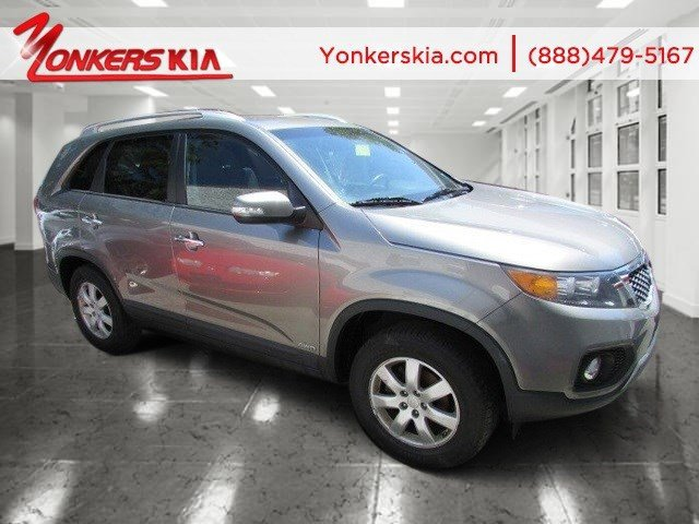 2011 Kia Sorento LX Titanium SilverBlack V4 24L Automatic 85027 miles Grand and graceful thi
