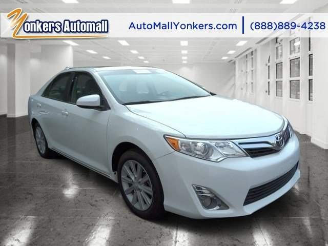 2012 Toyota Camry XLE Super WhiteAsh V4 25L Automatic 11054 miles 1 owner clean carfax Yon