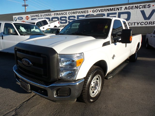 2012 Ford Super Duty F-250 SRW WhiteWHITE V8 67L Automatic 154084 miles Deal PendingChoose