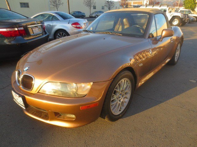 2000 BMW Z3 Impala BrownImpala Brown V6 25L Manual 86464 miles A MUST SEE LOW MILES This 200