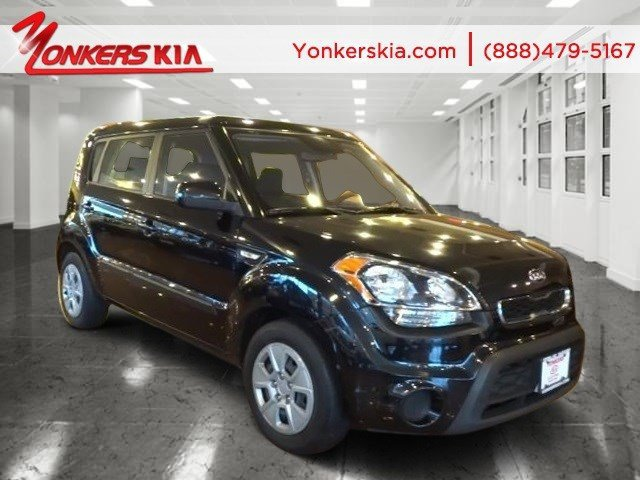 2012 Kia Soul Base BlackBlack seat trim V4 16L Manual 60407 miles Satellite radio One of the