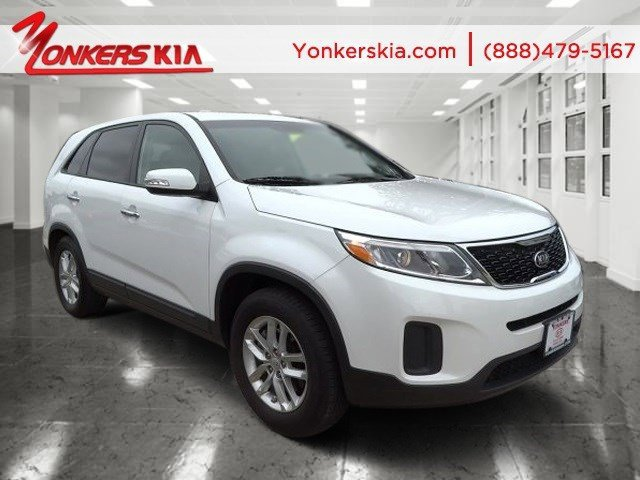 2014 Kia Sorento LX Snow White PearlBlack V4 24 L Automatic 18903 miles Yonkers Kia is the la