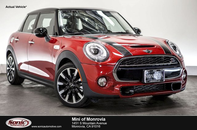 2016 MINI Cooper Hardtop 4 Door S Blazing Red MetallicCarbon Black V4 20 L Automatic 0 miles