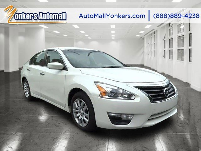 2014 Nissan Altima 25 SL Pearl WhiteCharcoal V4 25 L Automatic 41724 miles Yonkers Auto Mall
