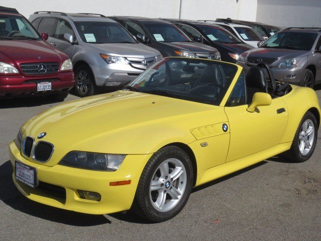 2000 BMW Z3 25L Dakar YellowBlack V6 25L Manual 77560 miles RARE LOW MILES This 2000 BMW Z3