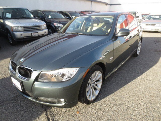 2010 BMW 3 Series 328i xDrive Tasman Green MetallicBeige V6 30L Manual 60985 miles 1-OWNER RE