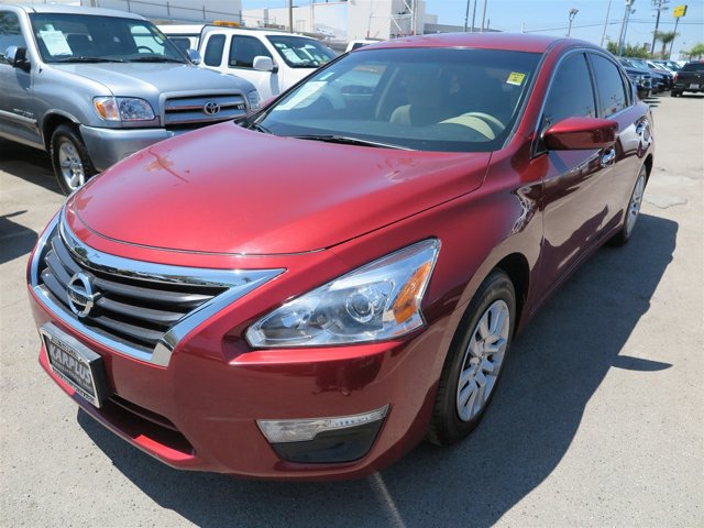 2014 Nissan Altima 25 Cayenne Red MetallicRED V4 25 L Variable 36832 miles Deal PendingCh